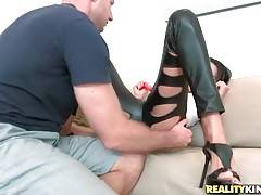 Levi Cash Warms Lovely Milf Amber Up 1